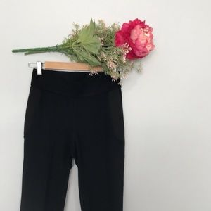 Zara | High Rise Zipper Side Capri Leggings SZ M